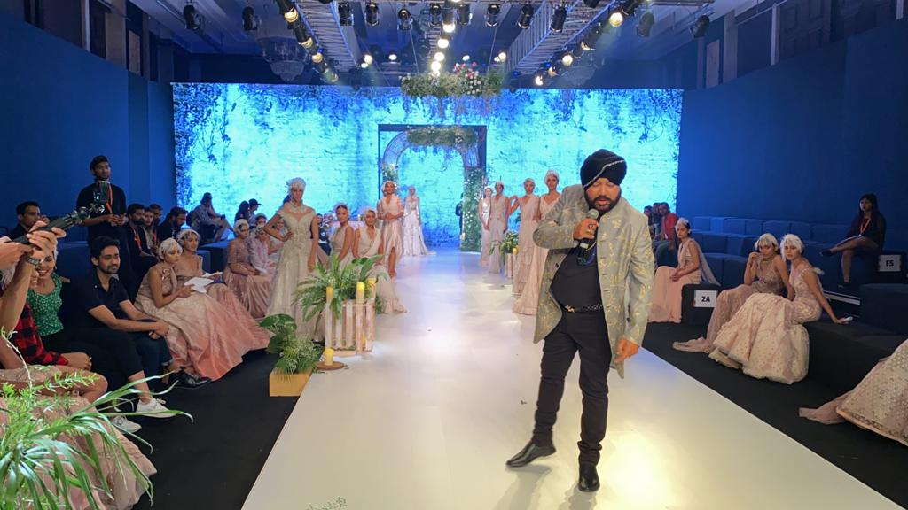Showstopper Daler at Bombay Times Fashion Week (3)